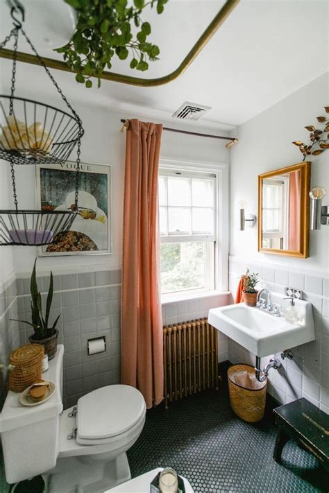 ideas for renovating small bathrooms great ideas for renovating a small bathroom l essenziale