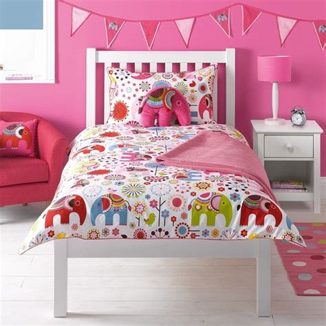 elephant bedroom c 17 best images about elephant bedroom decor on pinterest peach bedding red and pink and