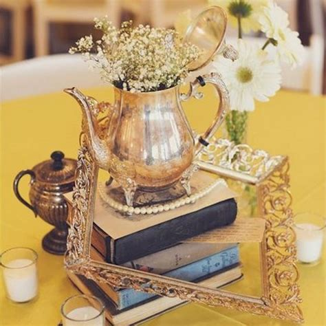 40 Charming Vintage Wedding Centerpieces Happywedd Com Vintage Table Centerpieces