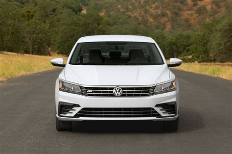white volkswagen passat 2016 volkswagen passat gt concept to debut at 2016 los angeles
