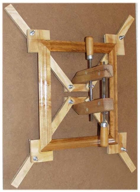 how to make woodworking jigs 25 best ideas about woodworking jigs on
