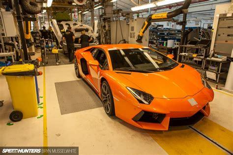Lamborghini Werk Italien by Lamborghini Factory Italy Aventador Production Line 23