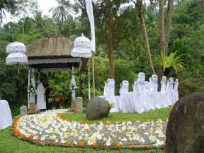 outdoor decorating ideas outdoor garden wedding ceremony decorations ideas 2