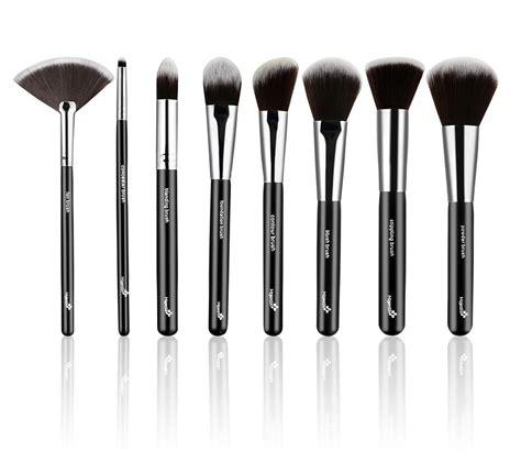 essential 8 makeup brushes set