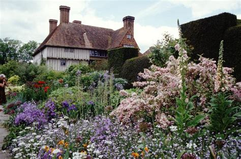 great dixter and christopher lloyd s gardens