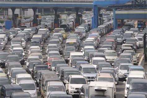 Prediksi Karet Akan Naik transaksi pintu tol naik 300 persen saat mudik lebaran