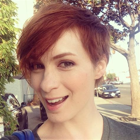 what is felicia day s hair color felicia day nominated for best gaming personality 2014