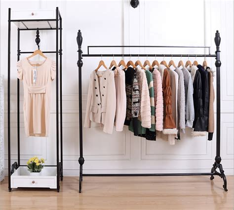 7 Tips For Creating A Capsule Wardrobe by Tips For Creating A Capsule Wardrobe Collection