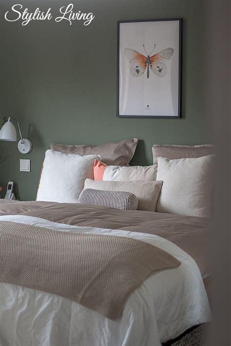 wohndecke mit kissen schlafzimmer makeover mit otto werbung stylish living