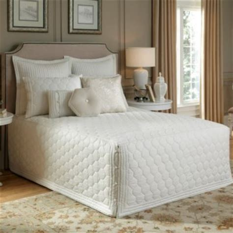 fitted bed coverlet 13 best images about fitted bedspread shopping on