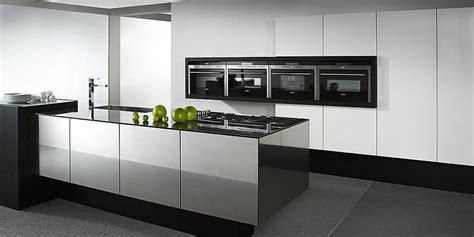 co皦 cuisine 駲uip馥 ikea isla de cocin balance cube en blanco y negro alto brillo