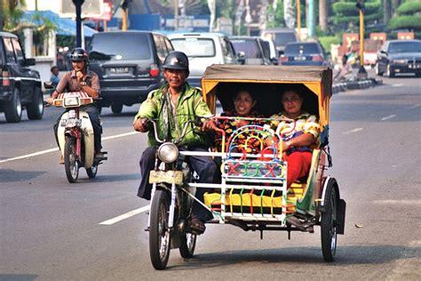 Alarm Motor Di Medan pengemudi becak motor di medan mogok berita papua