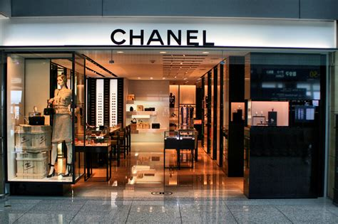 drive and shop chanel shop rodeo drive beverly hills california usa