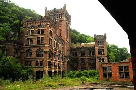 abandoned buildings abandoned hotel creepy places people and mysteries