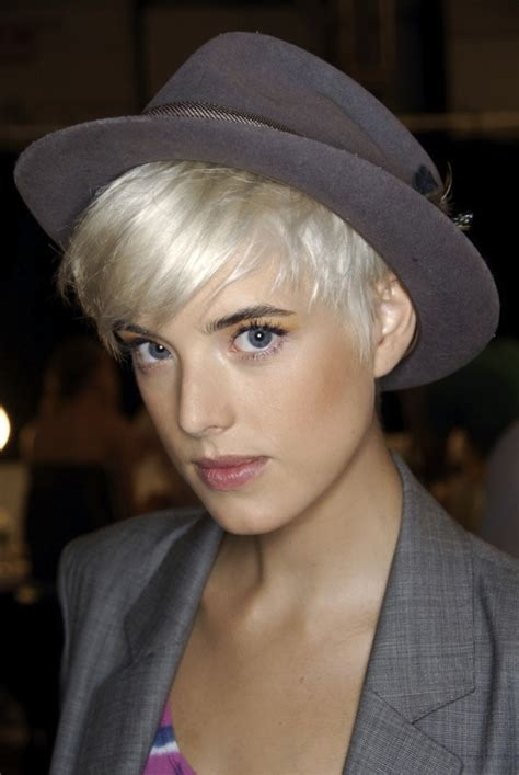 Model Of The Year Agyness Deyn by Agyness Deyn Starts Own Label South Africa