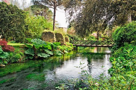 i piã bei giardini mondo giardini di ninfa quot i pi 249 bei giardini mondo quot