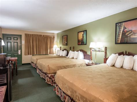 2 bedroom suites in branson mo 2 bedroom lodging in branson mo branson hotel rooms angel