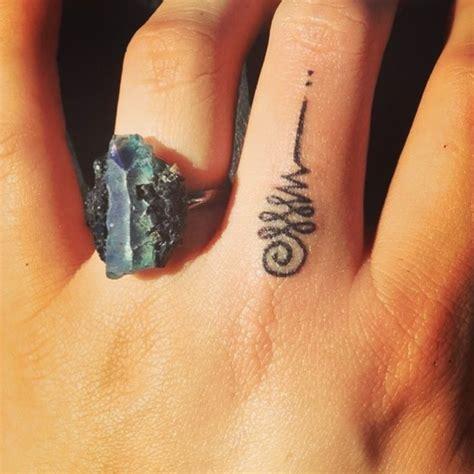 tattoo quiz buzzfeed 55 tatouages petits et significatifs