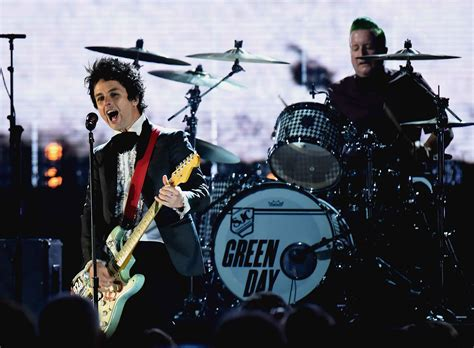 Green Day green day pr 228 sentieren neuen song revolution radio auf