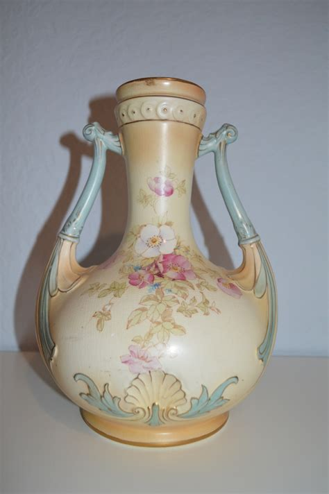 Two Handled Vase by Two Handled Crown Vase Collectors Weekly