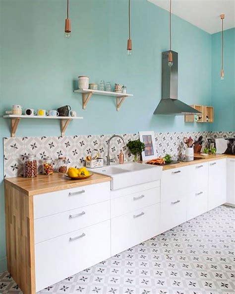 model wallpaper dinding dapur motif keramik dinding ideakube magz
