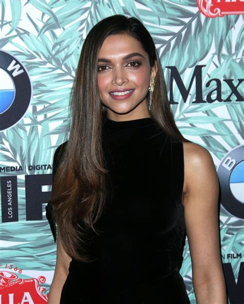 deepika padukone cocktail deepika padukone woman in film cocktail party in los
