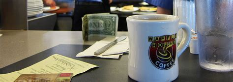 Waffle House Veterans Day Special by Waffle House Policy Keeps Waitress From Keeping 1 000 Tip