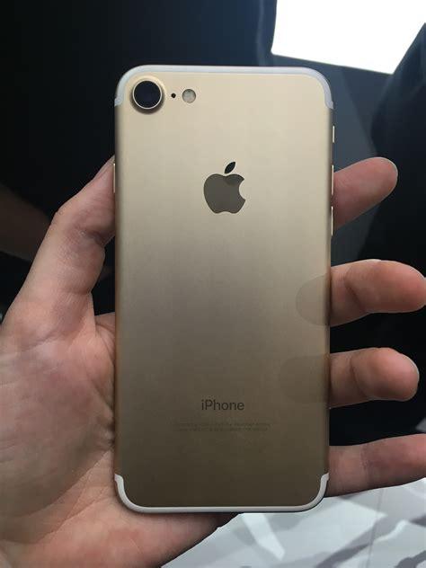iphone  hands  perfectly adequate  underwhelming macworld