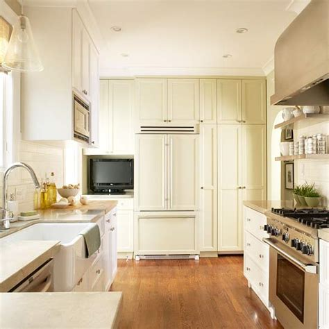 g shaped kitchen transitional kitchen benjamin moore