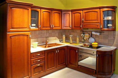 Kitchen Wood Cabinet Pictures Of Kitchens Traditional Medium Wood Cabinets Golden Brown