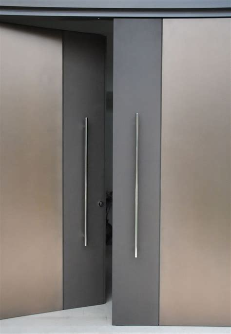 Modern Doors by 25 Best Ideas About Modern Door Design On Pinterest