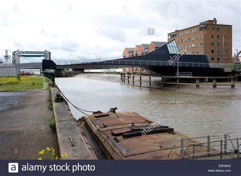 hull swing bridge newly opened scale lane swing bridge over river hull shown