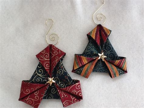 patterns for fabric christmas tree decorations folded fabric quilted christmas ornaments tutorials