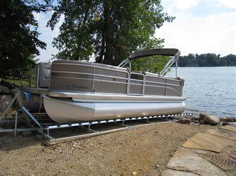 pontoon boat trailer rollers boat roller rs pictures to pin on pinterest pinsdaddy