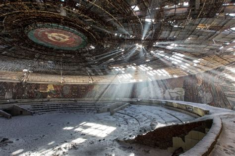 best abandoned places extraordinary abandoned buildings abandoned buildings