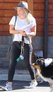 Hilary Duffs Dg Purse by Hilary Duff And Luca Take The Family Pets To A