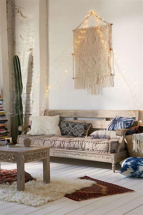 interior design dreaming  daybed glitter