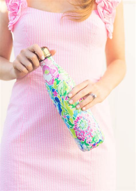 lilly pulitzer swell bottles lilly pulitzer x s well bottles design darling