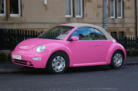 pink volkswagen get it in pink everything pink pink volkswagen beetle cars
