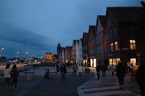 norvegia turisti per caso bryggen bergen viaggi vacanze e turismo turisti per caso