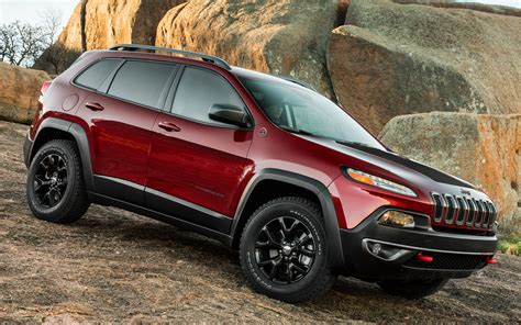 jeep chrysler 2014 c net appraises the cherokee trailhawk autopark chrysler