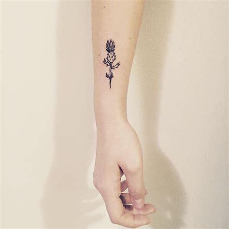 minimalist tattoo scotland best 20 thistle tattoo ideas on pinterest simple flower
