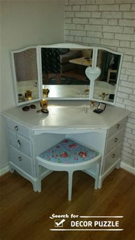 Corner Vanity Desk 1000 Ideas About Corner Vanity On Corner Bathroom Vanity Vanity Set And Corner