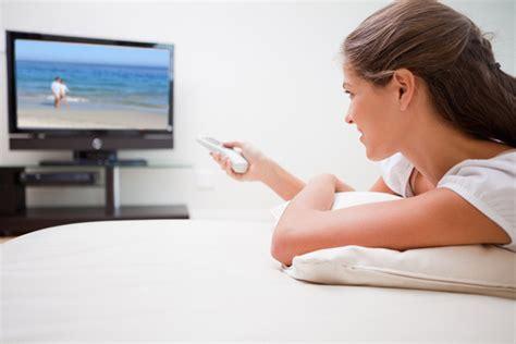 imagenes graciosas viendo television los j 243 venes que ven mucha televisi 243 n podr 237 an tener