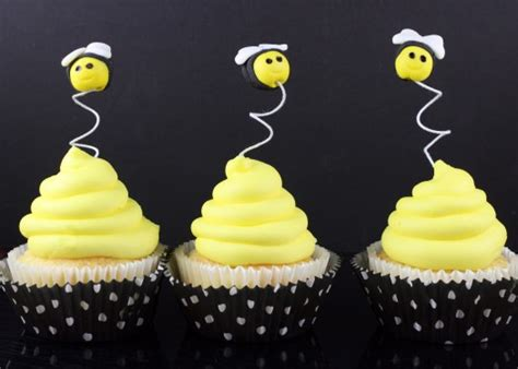 how to make bumble bee cupcake toppers cakejournal