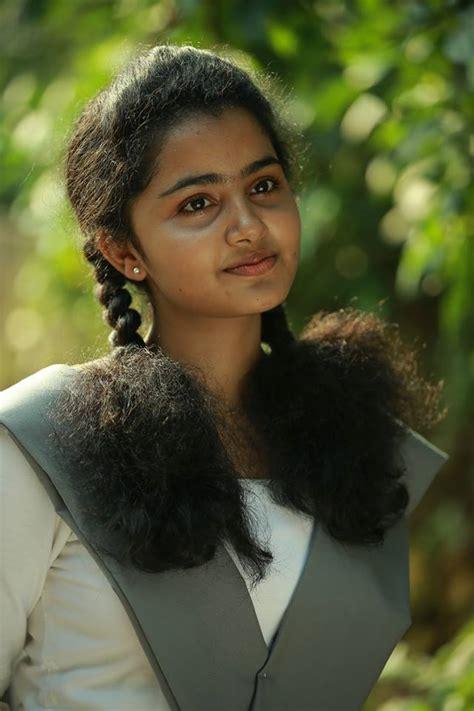 premam cinema heroine photos premam girl anupama parameshwaran profile and gallery