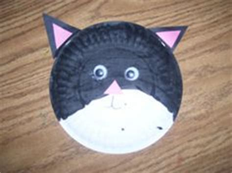 Cat Paper Plate Craft - cat paper plate