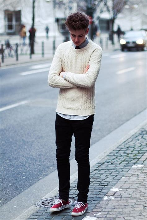 white sweater  black pants teenager style boys