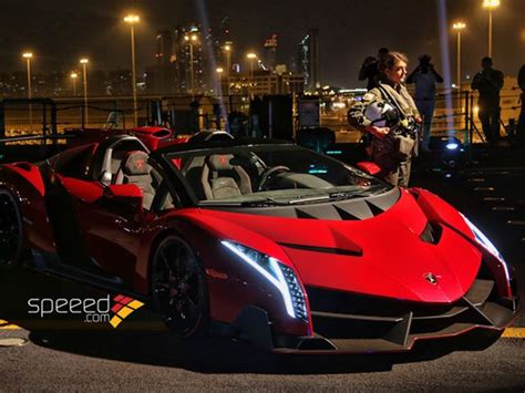 lamborghini veneno crash lamborghini veneno roadster unveiled on aircraft carrier
