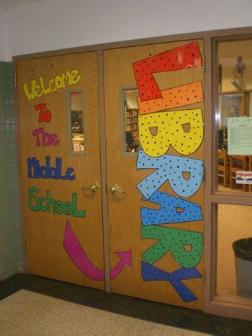 library decoration ideas 25 best ideas about school library displays on pinterest